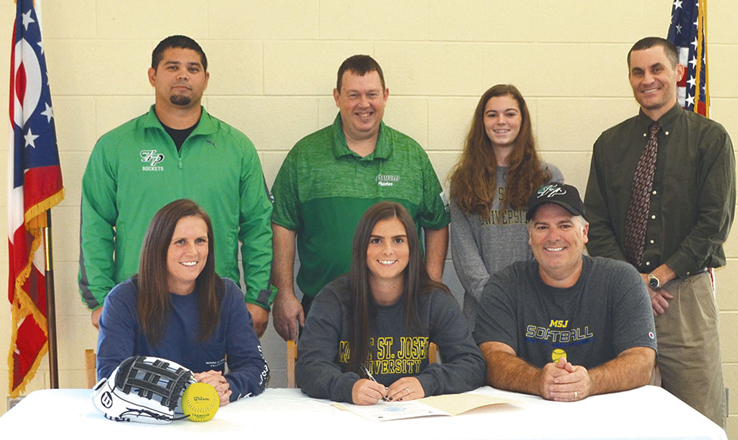 Vilvens signs with Mount St. Joseph